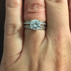 Jewelry - Cubic Zirconia engagement ring